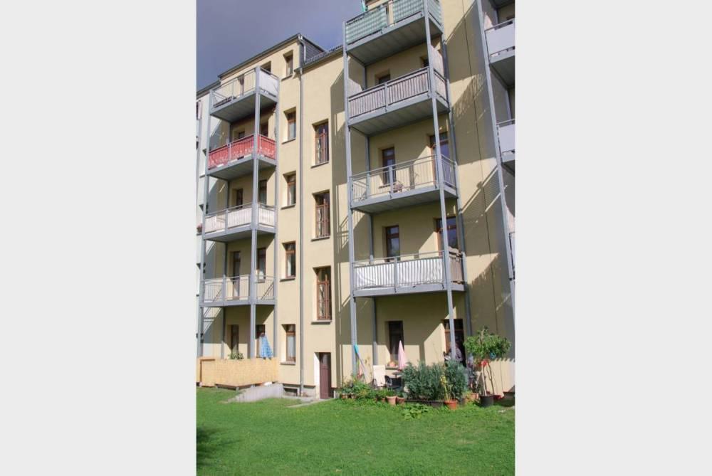 Wohnung mit Balkon zum grünen Innenhof