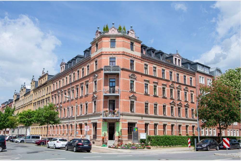 Großzügige Wohnung mit Westbalkon - Bad mit Wanne und Dusche